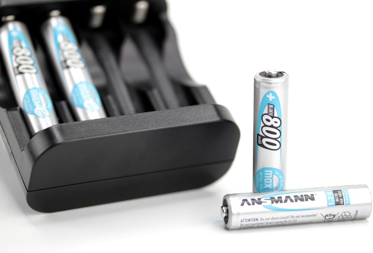 PILES RECHARGEABLES PRECHARGEES NiMH AAA HR03 1.2V 800mAh x2